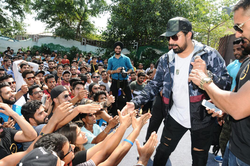 Rannvijay Launches His Personal App To Interact With Fans