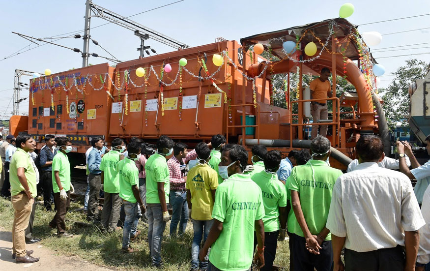 New Delhi: The 'Swachhta Hi Sewa' train that was launched as part of a cleanliness campaign, at New Delhi Railway Sation in New Delhi on Friday. (Image: PTI)