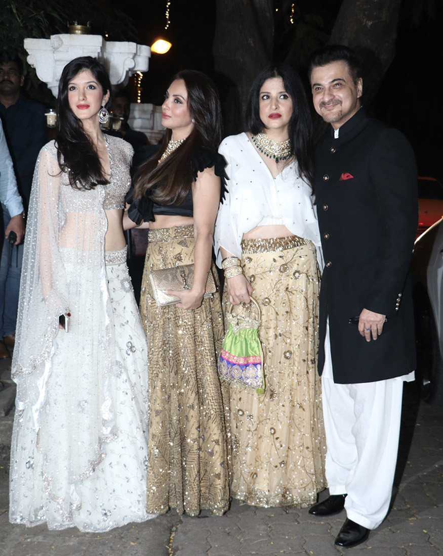Sanjay Kapoor poses with his family during Anil Kapoor's grand Diwali party hosted at his residence in Mumbai on October 19, 2017. (Image: Yogen Shah)