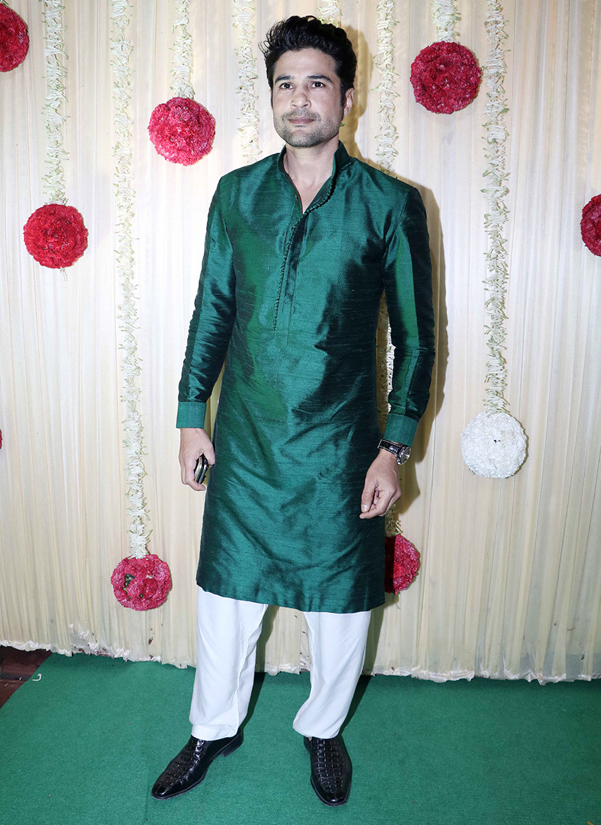 Rajeev Khandelwal poses as he arrives for Ekta Kapoor's Diwali party hosted at her residence in Mumbai on October 17, 2017. (Image: Yogen Shah)