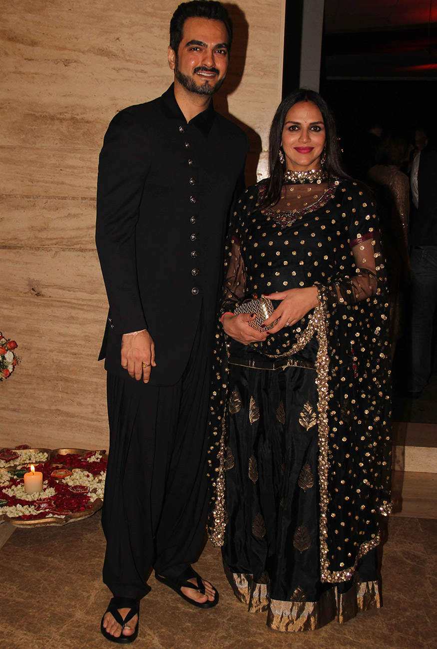 Bharat Takhtani and Esha Deol during Ekta Kapoor's Diwali party hosted at her residence in Mumbai on October 17, 2017. (Image: Yogen Shah)
