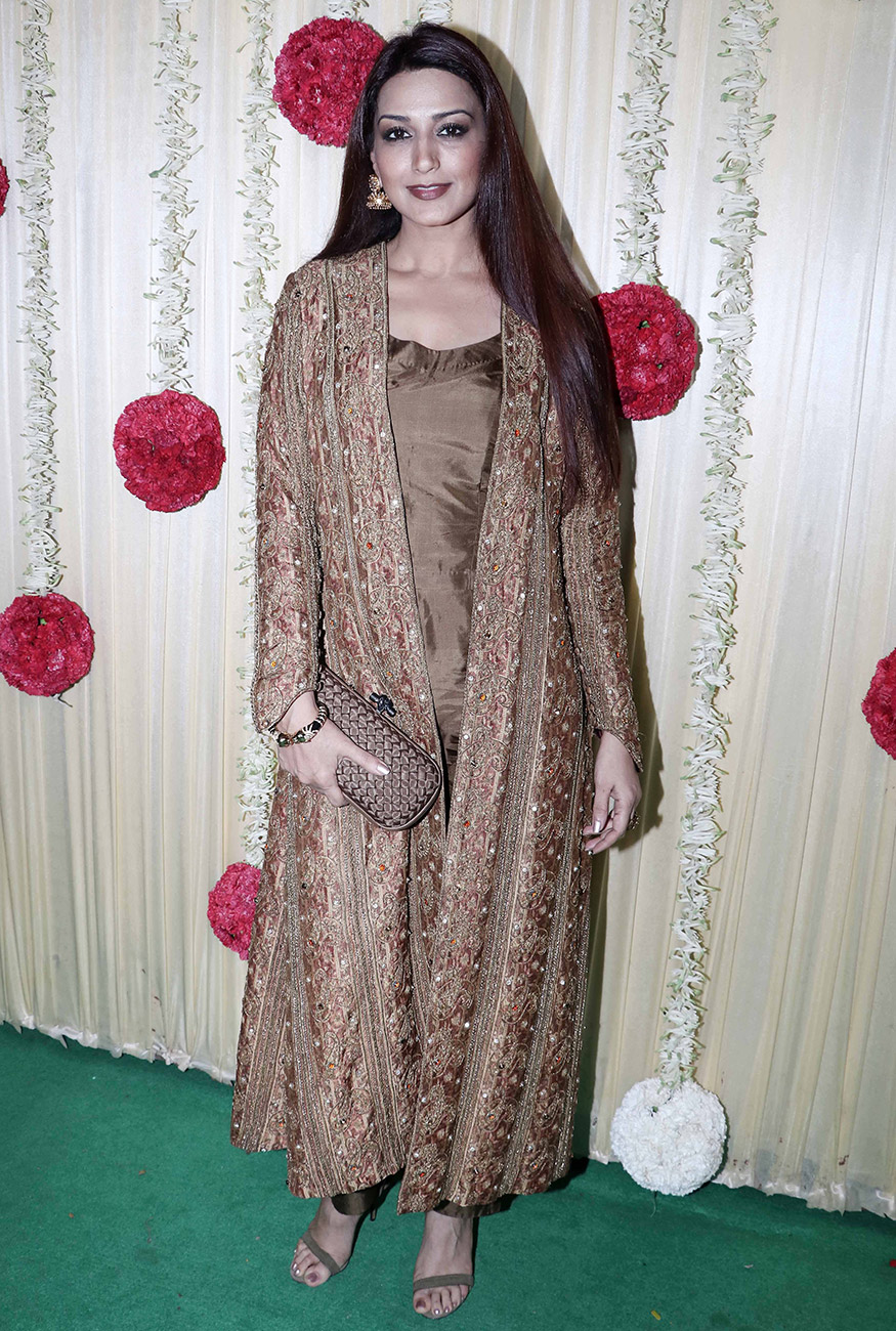 Sonali Bendre at Ekta Kapoor's Diwali party hosted at her residence in Mumbai on October 17, 2017. (Image: Yogen Shah)