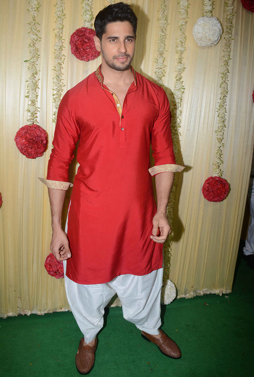 Siddharth Malhotra poses for a photo on his arrival for Ekta Kapoor's Diwali party hosted at her residence in Mumbai on October 17, 2017. (Image: Yogen Shah)