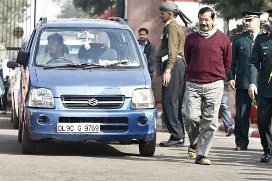 LG Baijal Asks Kejriwal to Park Car at Right Place, Appreciate Police's Efforts