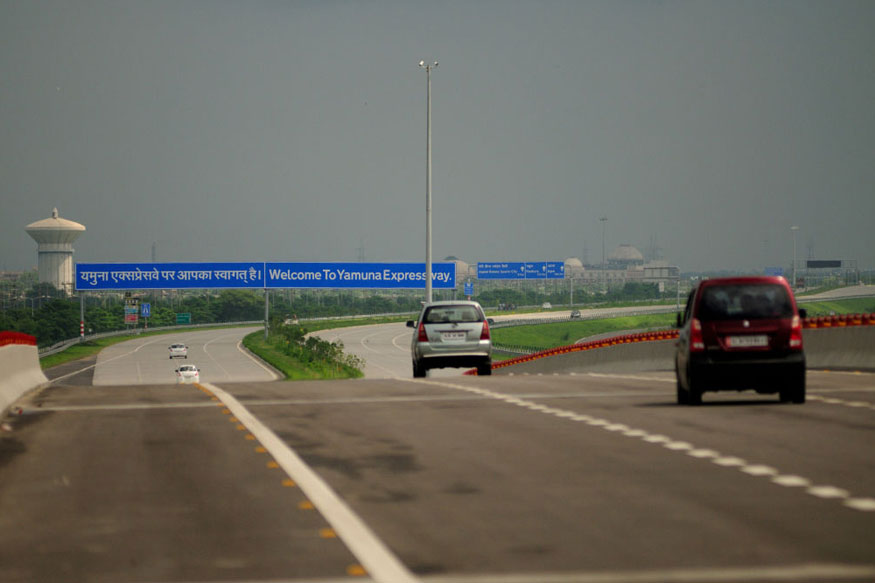 UP Govt Fixes Toll Rates at Rs 570 for Four-Wheelers on Agra-Lucknow Expressway