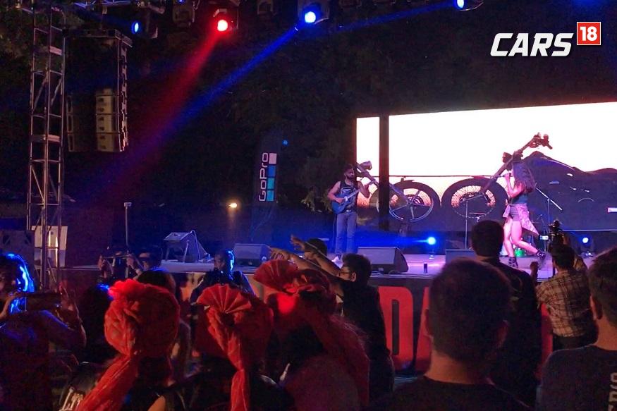 Everyone grooving up on Tanya Nambiar's performance. (Image: Ayushmann Chawla/News18.com)
