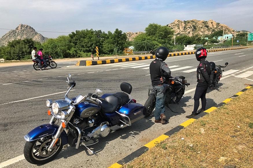 Waiting for fellow riders. (Image: Ayushmann Chawla/News18.com)