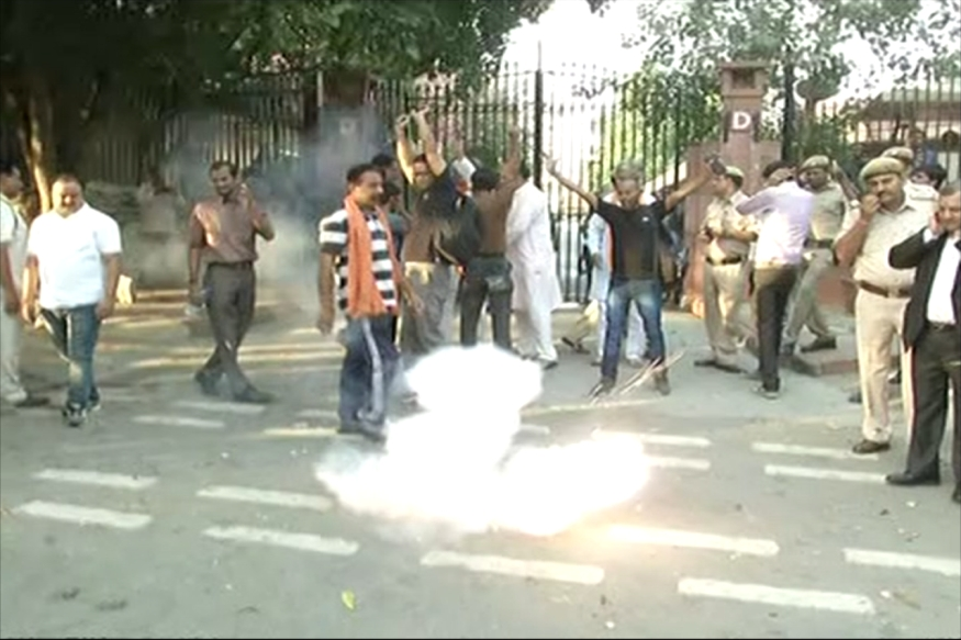 Hindu Outfit Challenges Supreme Court, Bursts Crackers Outside Premises