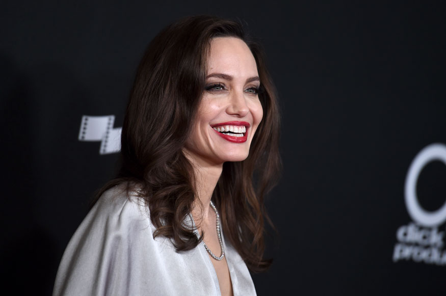 Angelina Jolie Became Actor to Pay her Mothers Bills