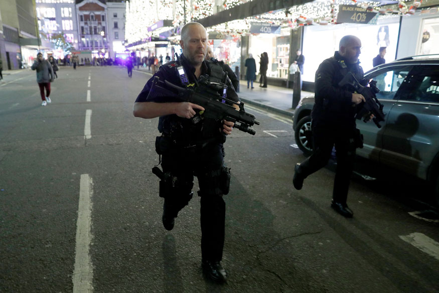 UK Transport Police Say One Minor Injury After Reports of Shots Fired at London's Oxford Circus