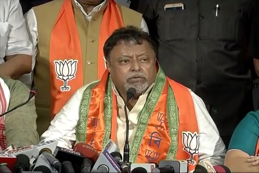 Delhi HC Notice to Centre, West Bengal Govt on Mukul Roy's Phone Tapping Complaint