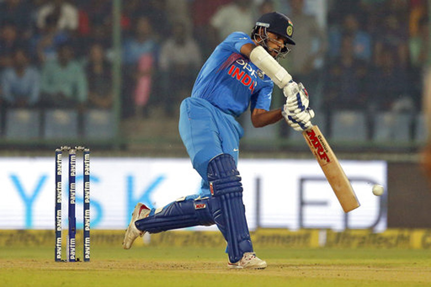 Live Cricket Score, India vs Sri Lanka 2017, 3rd ODI, Visakhapatnam: Dhawan, Karthik Take India to Sight of Victory