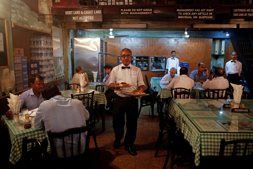 Restaurants Will Face Jail, Fine for Selling Mineral Water Above MRP: Centre to Supreme Court