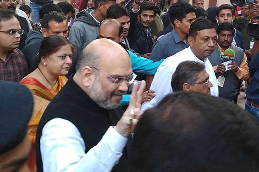 Gujarat Assembly Election 2017 LIVE: Amit Shah, ex-CM Anandiben and PM Modi's Mother Among Early Voters