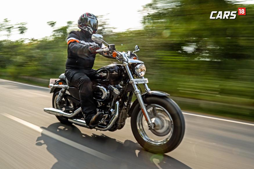 Harley-Davidson-1200-Custom-Profile