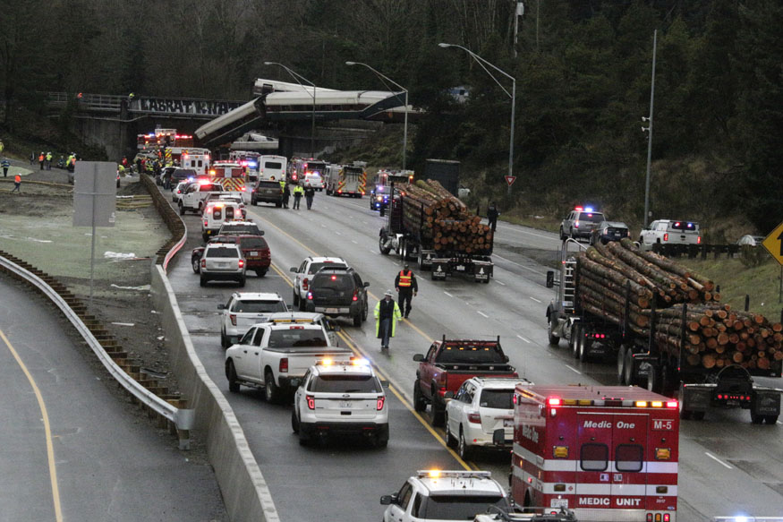 'Multiple' Fatalities as Train Derails Onto Highway in Washington State