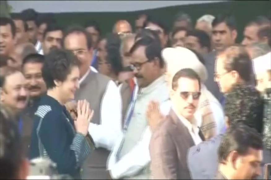 Rahul Gandhi Elevation LIVE: Sonia, Priyanka, Robert Vadra Arrive for 'Coronation'; BJP Calls It 'Non-Event'