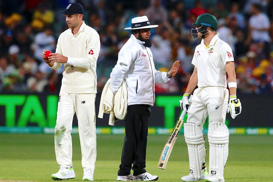 Australian Media Dismiss English Cricketers as Tourists