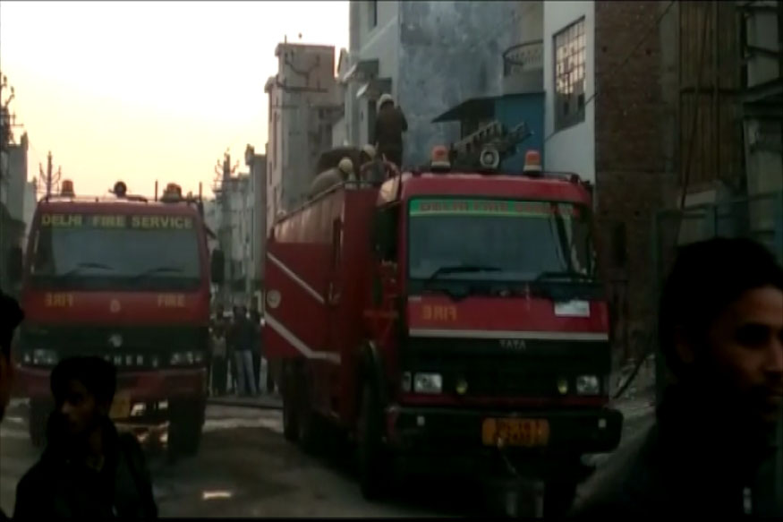 Killed in Fire at Firecracker store in Delhi
