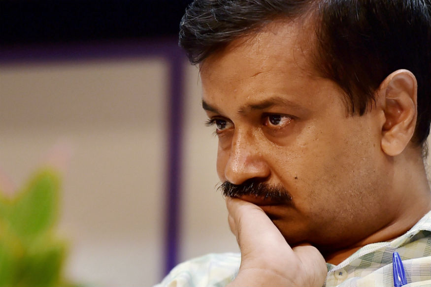 Kejriwal on Sticky Wicket Because of Lollipops to AAP MLAs After Prashant Bhushan, Yogendra Yadav Ouster