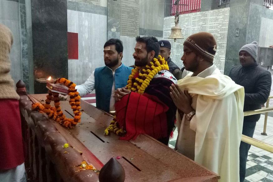 Lalu Prasad Yadav's elder son Tej Pratap Yadavat Hanuman temple in Patna (Photo: News18)