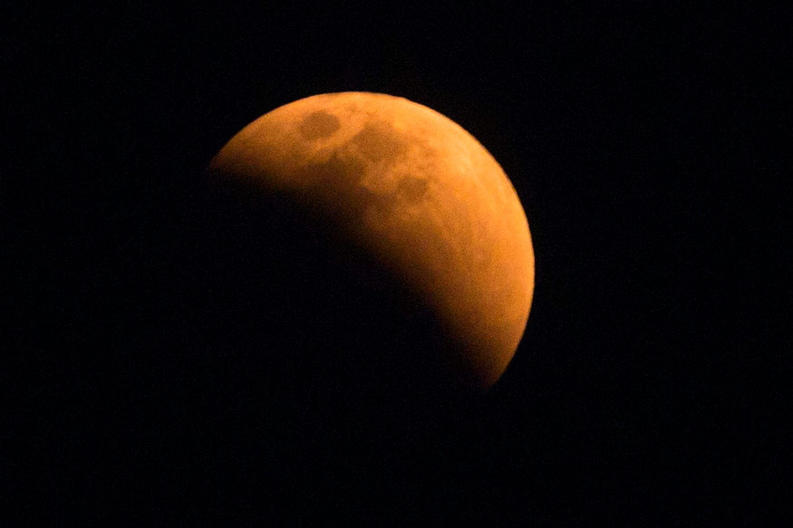 Here's How You Can Actually Be a Scientist During Friday's Lunar Eclipse