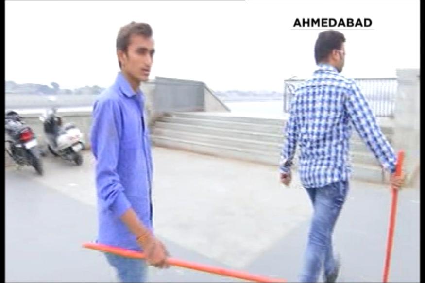Ahmedabad-Bajrang-dal-protest01