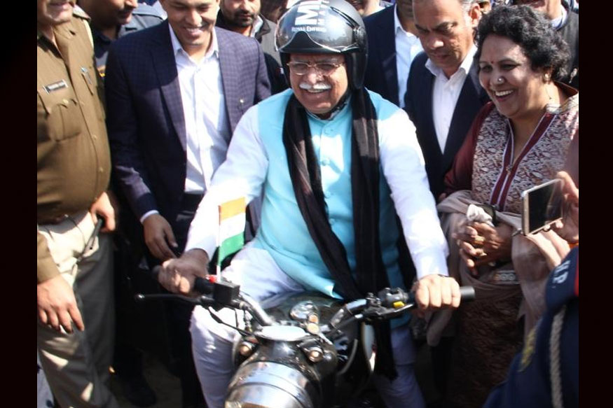 Manohar Lal Khattar Rides Motorcycle to Take Stock of Amit Shah's Yuva Hunkar Rally in Jind