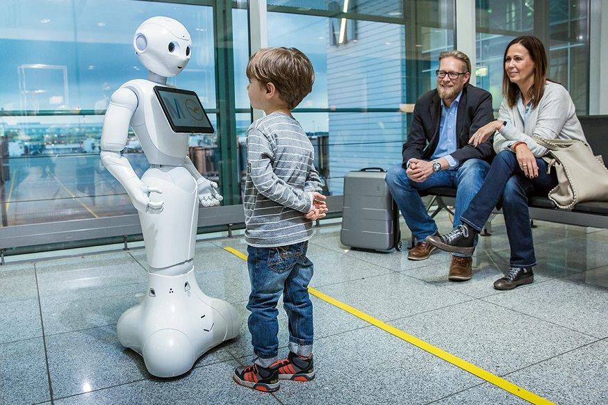 Meet Ms Pepper: A Humanoid Robot That Helps Flyers at The Munich Airport