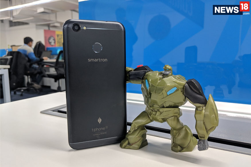 Smartron t.phone P Review, Smartron t.phone P Features, Smartron t.phone P Specifications, Smartron t.phone P Comparison, Smartron t.phone P Camera Quality, Smartron t.phone P Battery Backup, Smartron t.phone P Build, Budget Android Smartphone, Technology News