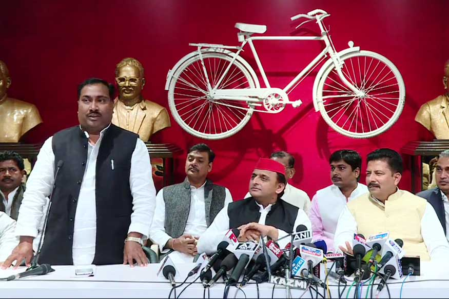 UP Minister SP Maurya's Nephew Pramod Maurya Joins Samajwadi Party, Says His Uncle May Also Join SP
