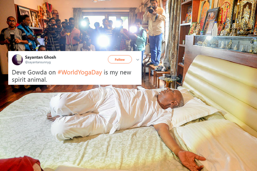 India's Former Prime Minister HD Deve Gowda's Yoga on Bed Has Left Twitter Amused