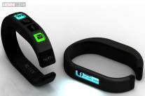 Hicon: A smart bangle that keeps you connected to your social networks
