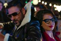 'DJ Wale Babu' stills: Badshah's lastest party song has all the swag to become another chart-buster