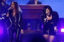 American Music Awards 2015: Selena Gomez, Chris Martin, Demi Lovato's spectacular performance woo the audience