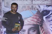 StarGaze: Salman Khan attends Kabir Bedi's birthday bash; Akshay Kumar promotes 'Airlift'