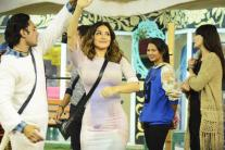 'Bigg Boss 9', day 98: Sunny Leone spices up the show with fun activities; Rishabh Sinha wins 'Mastizaada' task