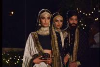 Anita Dongre, Sabyasachi Mukherjee, Rohit Bal and other designers revive 'Weaves of Banaras' at Make in India week