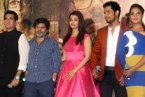 StarGaze: Aishwarya Looks Gorgeous at 'Sarbjit' Trailer Launch, Alia-Varun Spotted at Mehboob Studio