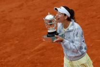 In Pics: Garbine Muguruza Beats Serena Williams To Lift French Open Title