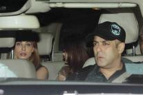 Salman Khan and Iulia Vantur Celebrate the Success of 'Sultan' With the Khan-daan