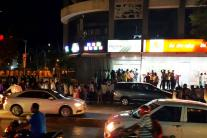 It's Chaos on the Roads as Panicked People Queue up Outside ATMs