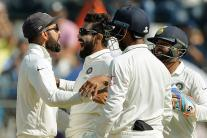 In Pics: India vs England, 4th Test, Day 4 in Mumbai