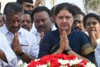 After Series of 'Outsiders', Sasikala to be first Tamil CM in 29 Years