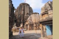 PM Narendra Modi Pays Obeisance at Lingaraj Temple in Bhubaneshwar