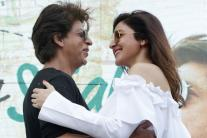 Shah Rukh Khan, Anushka Sharma promote 'Jab Harry Met Sejal' in Delhi