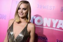 Margot Robbie Sizzles at 'I, Tonya' Premiere