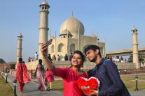 Valentine's Day Celebrations Around the World; See Pictures