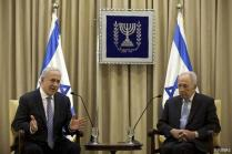"Israel will respond with ""full force"" if Syria attacks, says Peres"