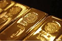 Gold snaps 5-day losing streak, gains Rs 300 on global cues